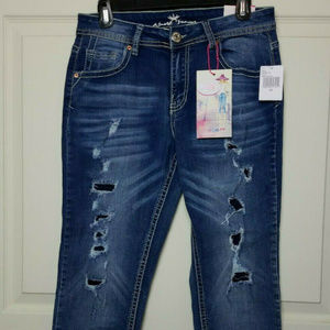 Almost Famous Jeans Capri Destruction Size 11 NWT